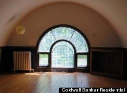 One of Frank Lloyd Wright's trademark arched windows graces a recently listed Kenwood home.
