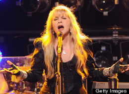 Stevie Nicks is sorry for threatening Nicki Minaj.
