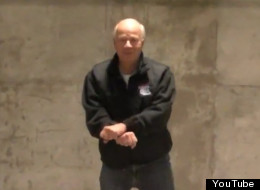 Peter Mansbridge shows off his Gangnam-style moves. (YouTube)