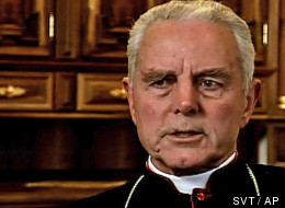 ** FILE ** This Nov. 2008 image from video shows British-born Bishop Richard Williamson during an interview in Schierling, south of Regensburg, Germany. The traditionalist bishop whose denials of the Holocaust embarrassed the Vatican was ordered Thursday Feb. 19, 2009 to leave Argentina within 10 days.   A Buenos Aires television station is aired footage Tuesday Feb. 24, 2009 of  Williamson the Holocaust-denying Catholic bishop whose statements embarrassed the Vatican threatening a journalist wi