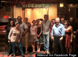 Anthony Bourdain poses with the crew at The Hideout in Chicago. (Facebook/Hideout Inn)