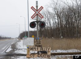 Idle No More protest blocking the CN/CSX railway line in Sarnia by local first nations. (The Canadian Press Images/Stephen C. Host)