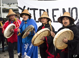 The aboriginal movement known as Idle No More continued to gain strength beyond Canada's borders on Tuesday as activists embarked on a public relations blitz in the United States. (CP)