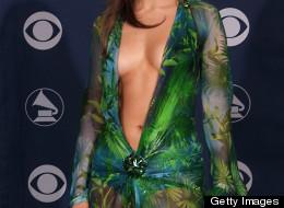 El famoso vestido que Jennifer Lopez lució en los Grammy del 2000 no estaría permitido.